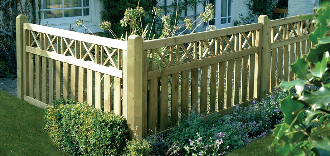 Top Tips For Small Garden Fencing