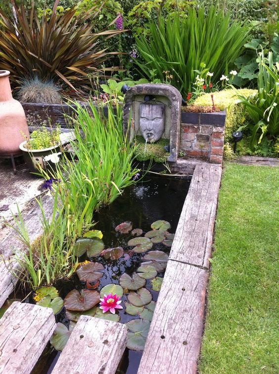 5 trendy uses of railway sleepers in the garden for Garden pond design using sleepers